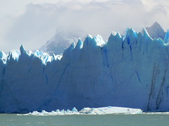 Sharp sawtooth glacier wall of ice - Perito Moreno, Argentina (Germán Vogel) Tags: southamerica latinamerica travel traveldestinations traveltourism tourism touristattraction landmark holidaydestination patagonia ice cold weather climatechange globalwarming glacier iceberg andes lake nature naturallandscape water santacruz lagoargentino wall sawtooth frozen peritomoreno nationalpark parquenacional losglaciares