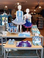 Disneyland Visit 2017-4-16 - Downtown Disney - Anna and Elsa's Boutique (drj1828) Tags: disneyland us anaheim dlr visit 2017 downtowndisney frozen merchandise