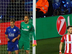 Leicester second half corner (lcfcian1) Tags: leicester city atletico madrid lcfc atleti uefa champions league football sport uk england kingpowerstadium king power stadium leicestercity atleticomadrid leicestercitystadium uefachampionsleague championsleague footballmatch marcalbrighton janoblak 11 18417 quarter final