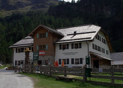 13-IMG_8434 (hemingwayfoto) Tags: österreich austria europa gebäude haus hohetauern nationalpark natur naturfreundehaus rauris reise urwald