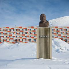 frozen Lenin (Prokura) Tags: svalbard spitzbergen spitsbergen barentsburg lenin sowjetunion plattenbau winter eis schnee snow ice arctic arktis баренцбург