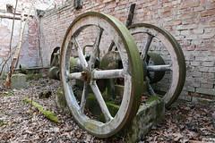 ps01 (vnately) Tags: parný stroj zvyšky časti steam engine remains dampfmaschine reste tehlová budova brick house ziegel industrial priemysel steampunk vnately
