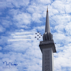 대한민국 공군 (Republic Of Korea Air Force) Black Eagles Over KL Skies (AnNamir™ c[_]) Tags: rokaf koreanairforce republicofkoreaairforce blackeagles blackeaglesklcc blackeagleskualalumpur lima2017 canon annamir masjidnegara nationalmosque
