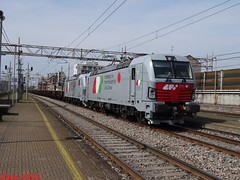 E191 009 + E191 010 + MRV Chiasso - Terni a Milano Lambrate (Luca_0502) Tags: milano lambrate cfi e191 009 010 coils