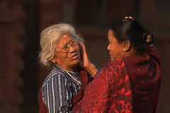 big discussion (still very busy, trying to catch up) Tags: morning morninglight ivodedecker nepali nepal nepaliwoman streetphotography people outside bhaktapur travel