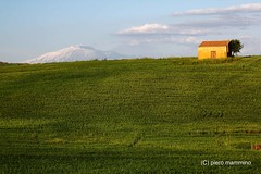 lonely house ... and only friend a volcano (piero.mammino) Tags: sicilia sicily house lonely casa solitario vulcano volcano etna grass erba verde green prato natura nature neve snow