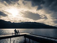 Ombres sur le lac