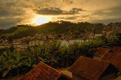 Nova Friburgo-RJ (mara.arantes) Tags: landscape sunrise village sky plant mountain city nature paisagem cidade vila montanha