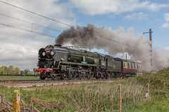 22.04.17 | 34052 (34046), Ruscombe Junction (Jamie A. Hunter) Tags: canon canonphotography canoninc canoneurope canoneos5ds canonef50mmf12lusm railways trains britishrail tracks travel rail unitedkingdom preservation preserved heritage southern southernregion battleofbritainclass westcountry lightpacific ruscombejunction twyford berkshire greatwesternrailway greatwesternmainline