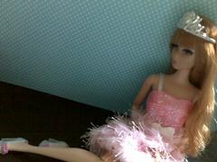Midge like a princess (Garotasushi) Tags: doll barbie pack boneca midge dreamhouse