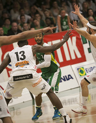 Sdertlje Kings - Uppsala basket 87-83 (fotografrichard) Tags: basketball canon photographer basket photoshoot sweden kings uppsala sdertlje canon2470f28l sodertalje basketboll sportsphotographer canonef70200f28is 1dmkiii 1dmk3 1d3 canonef300mmf28lis canon1dmarkiii 1diii canon1dmark3 sportshooter svenskamstare 5dmkiii canon5dmarkiii 5dmk3 5d3 uppsalabasket basketligan 5diii tljehallen sodertaljekings basketse