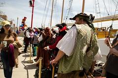 The queue for the ship (Pahz) Tags: chicago pirates windy lakemichigan greatlakes navypier tallship bristolrenaissancefaire chicagoillinois tallshipwindy bristolpirates