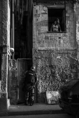 armed peace_02b (Luiz Baltar) Tags: brasil riodejaneiro rj 7d ripper baltar humanista direitoshumanos documentao imagensdopovo escoladefotgrafospopulares luizbaltar favelaemfoco temmorador foliadeimagens