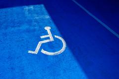 inva (asnabrygg) Tags: finland turku taxi abc sininen varjo pyörätuoli inva varattu sinivalkoinen paikka auranlaakso invapaikka