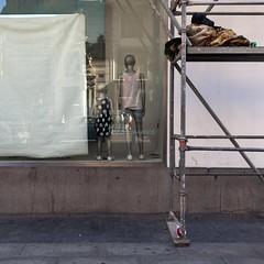 Window shop (Julio Lpez Saguar) Tags: madrid street urban espaa calle spain closed dummies covered urbano cerrado concept windowshop escaparate concepto maniquies tapado juliolpezsaguar