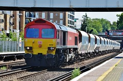 DB Shenker 59202 (stavioni) Tags: red alan train diesel railway db taylor olympia locomotive kensington freight schenker meddows class59 59202