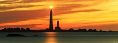 Phare de lle Vierge (FH | Photography) Tags: sunset lighthouse france island licht frankreich meer europa sonnenuntergang himmel insel phare horizont leuchtturm vierge lephare schattenriss seezeichen plouguerneau lichtzeichen dpartementfinistre llevierge pharedellevierge liliaarchipel