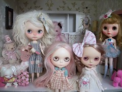 Dolly Shelf / House Sunday....