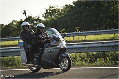 Rouwstoet MH17 (Ren Jacobs) Tags: holland tv nikon respect rip nederland nikkor 70200 nos snelweg politie d4 a27 rtvutrecht nikond4 rouwstoet mh17 nederlandvandaag vliegramp renejacobs tdi200