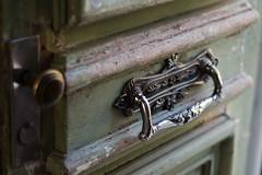 Porta de Montevideo (Aline Izabel) Tags: montevideo porta maçaneta uruguay madeira betente door