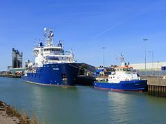 Blue predominates here (Kirkleyjohn) Tags: lowestoft lowestoftharbour lowestoftinnerharbour lakelothing relume smitspey ship