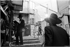 Jerusalem Israel (oneway cai) Tags: jerusalem israel jew blackandwhite bw street streetphotography film analogue blackwhitefilm leica m6 summilux 35mm f14 kodak eastman doublex 5222 iso400 monochrome people judaism jewish hc110