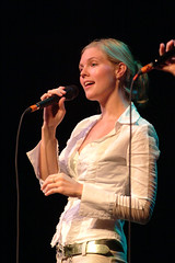 Helene Blum – Celtic Thanksgiving: Dinner and Concert – 10/9/06 (photo: Murdock Smith)