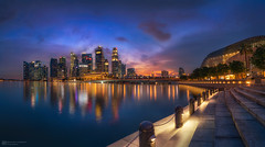 twilight city (Alexander Lauterbach Photography) Tags: singapore singapur asia city cityscape skyline marinabay marina bay bluehour blue sunset panorama travel sony a7r a7rm2 a7rii