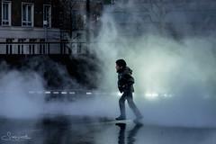 20170331-DSCF8460 Boy in the mist (susi luard 2012) Tags: fujikonakaya se1 tatemodern art boy fog installation london people southwark steam uk