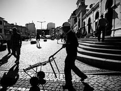 Working (Vitor Pina) Tags: algarve fotografia photography street streetphotography urban urbano rua pretoebranco people pessoas shadows light blackandwhite moments momentos monochrome man
