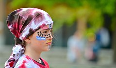 Un autre regard / Un regard sur le future ...? (BOILLON CHRISTOPHE) Tags: photoboillonchristophe nikond4 carnaval chamonix regard people
