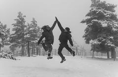 Super High Five!! (Rafa Velazquez) Tags: bw blackandwhite snow nieve jumparound jump highfive navafria segovia canon eos70d