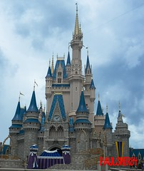 Cinderella Castle (PaulSher84) Tags: magickingdom disney waltdisney waltdisneyworld orlando florida cinderellacastle castle cinderella clearskies 2011