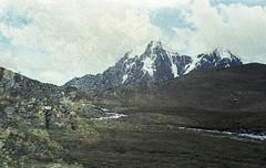 Dos imensos dias em que fomos tão grandiosamente pequenos (Tuane Eggers) Tags: imensos dias montanha paisagem grandiosidade pequenez insignificância caminhar vida natureza tuaneeggers 35mm film