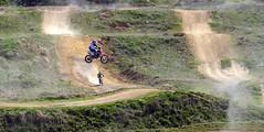 Acrobacia (alfonsocarlospalencia) Tags: motocross segovia cabriola salto acrobacia eresma cascadas verde deporte tierra la fuencisla motoristas polvo rojo 23 destreza habilidad riesgo arco