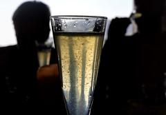 Contralluces (titodixebra) Tags: contraluz contralluz silhouette silueta brut cava champagne sidra llaureles asturias asturies drink bebida