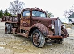 Rusty Old White Dump Truck (J Wells S) Tags: whitedumptruck rust rusty crusty abandoned junk caseysoutdoorsolutions lawrenceburg indiana cincinnaticameraandphotographyclub meetupgroup