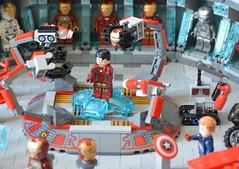 Labo stark 05 (John_Toulouse) Tags: moc mod lego johntoulouse super heroes sh ironman iron man avengers stark labo armor