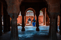 Chand Bawri step well - Abhaneri (Roberto Farina Travel Photography) Tags: abhaneri well stepwell robertofarina asia india rajasthan blue people