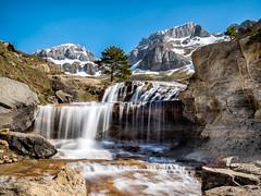 Llanos del Napazal (iñaros) Tags: agua cascada huesca paisaje pirineos water españa iñaros olympus em1 aguasedosa waterfall landscape snow nieve spain aísa llanosdelnapazal barrancodeigüer