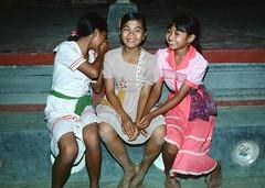 Smiling Girls, Ubud, Bali (Vern Krutein) Tags: bali person human ubud smilinggirls peoplebeingtogether