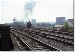 7812 'ERLESTOKE MANOR'  Maindee North Junction  Newport  April 17th 1982 g (Bristol RE) Tags: hall newport manor 4930 7812 hagleyhall 49xx erlestokemanor 78xx welshmarchespullman 1z42 maindeenorthjunction