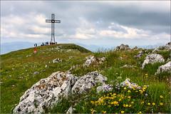 Monte San Vicino (Luigi Alesi) Tags: italy nature landscape nikon scenery san rocks italia natura severino monte fiori rocce marche paesaggio croce macerata vicino naturale riserva d7100