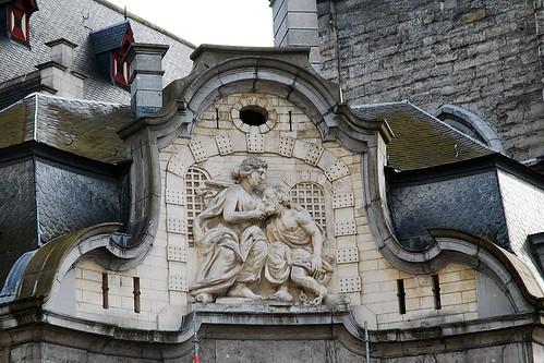 10 - Dans les rues de Gand = Gent Près du beffroi = Belfort Mammelokker