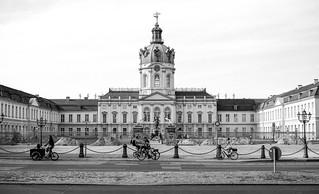 Berlin Schloss Charlottenburg Abendsonne Leica R4 ADOX CMS 20