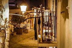 Farola y balconcito (ibzsierra) Tags: luz canon farola ibiza 7d eivissa oldtown balcon baleares daltvila
