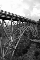 Bridge in Sedona (blue5011b) Tags: bridge bw river sedona az d5100