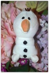 Do you want to build a Snowman (Girly Toys) Tags: do you want build snowman je voudrais un bonhomme de neige olaf sven frozen la reine des neiges disney anna elsa princess princesse queen kristoff hans troll collection dus weselton marshmallow guimauve oaken froid cold hiver winter puppet marionettes missliliedolly miss lilie dolly aurelmistinguette
