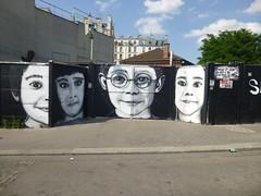 The Mouarf au Shakirail (Archi & Philou) Tags: streetart face child enfant lunettes visage paintedwall murpeint inconnu paris18 shakirail