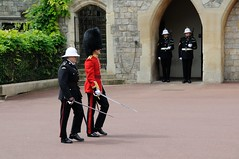 Img408709nx2_conv (veryamateurish) Tags: army military windsor british windsorcastle changingoftheguard grenadierguards oldguard footguards householddivision royalmarines changingtheguard newguard royalmarinecorps